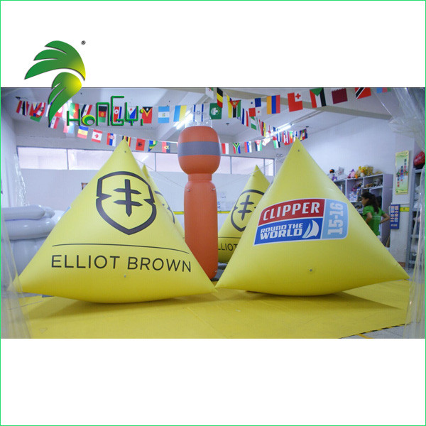 Hot Selling Strong PVC Material Inflatable Tringle Buoy , Inflatable Water Float Buoys For Sale