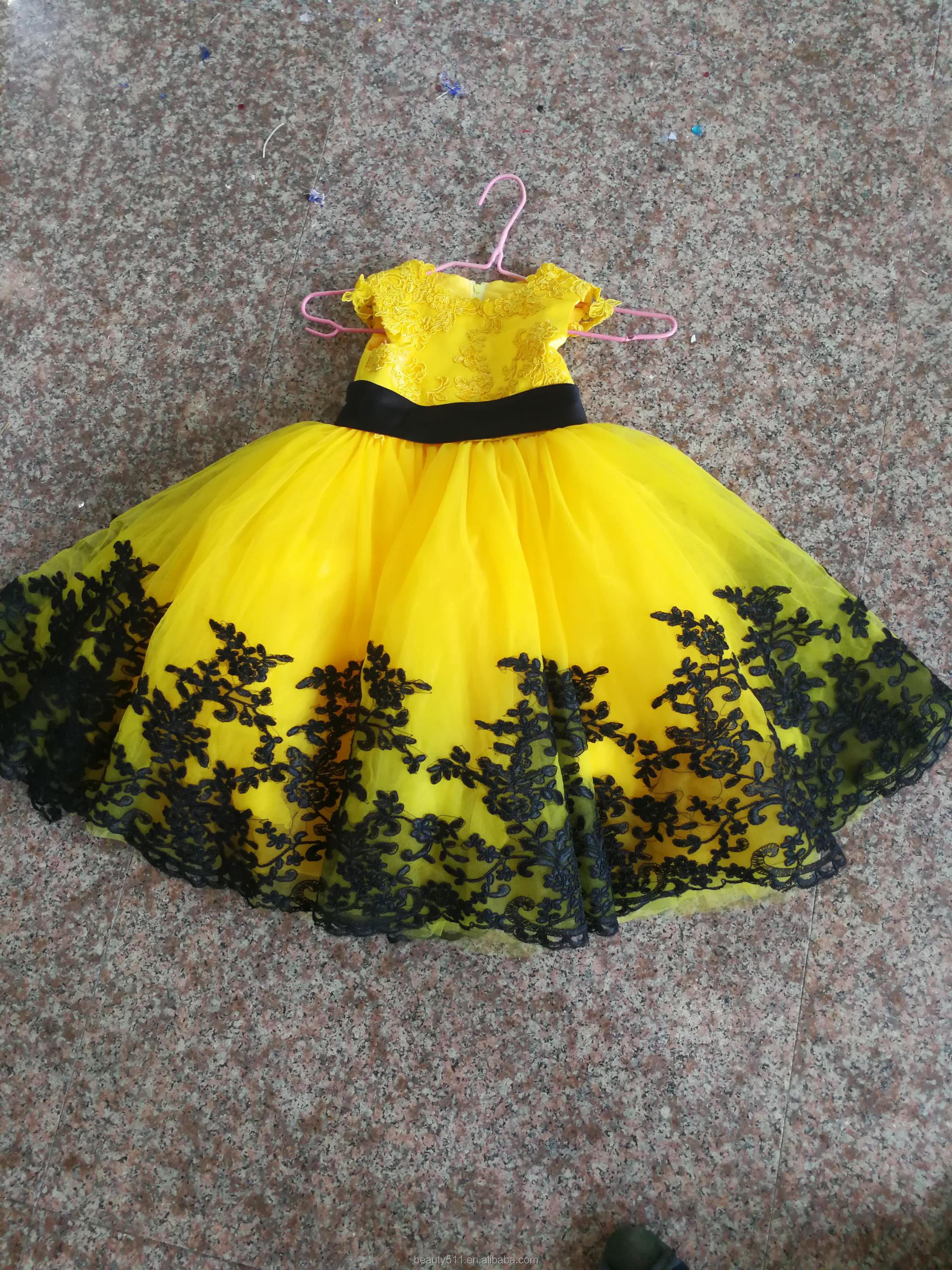 Flower Girl Dress Princess Knee-length Lace / Tulle Sleeveless Scoop ball gown P076