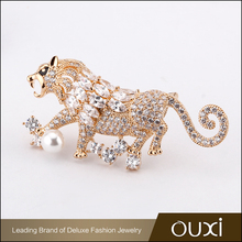Austria Crystal Pearl Brooch Pin Zircon Lion Brooch for Man Suits Brooch