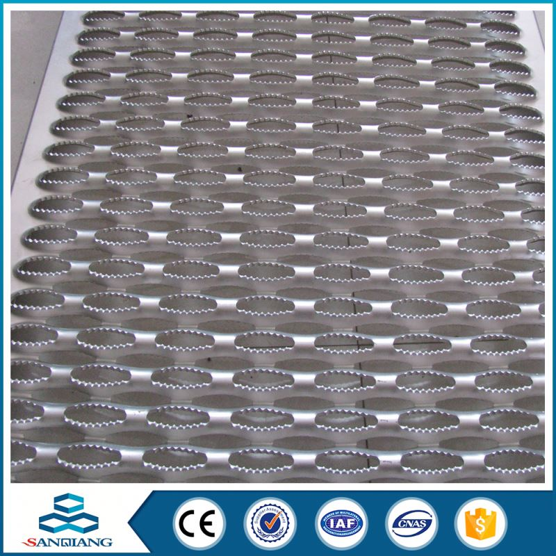 most popular web triangle perforated sheet metal mesh or metal netting