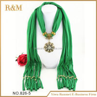 2016 best quality hot sales good quality resin pendant scarf