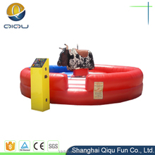 Inflatable wipeout red bull for kids and adults / inflatable mechanical rodeo game riding / machine rodeo bulls for sale