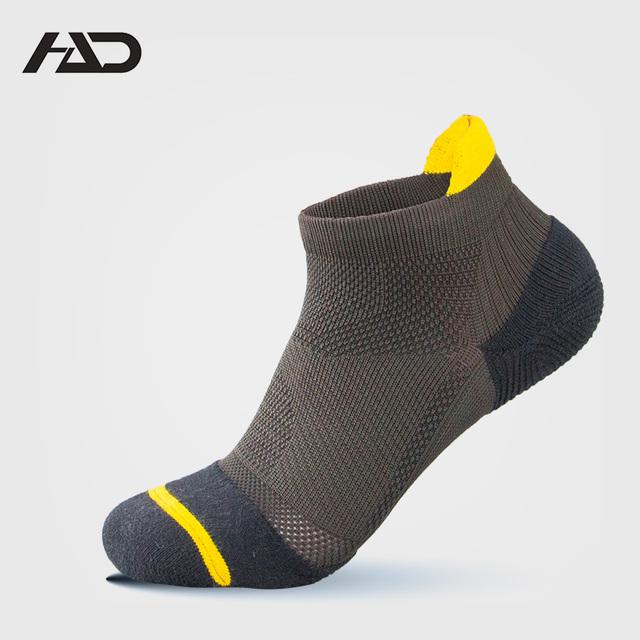 men's black free terry sporty running socks wholesale