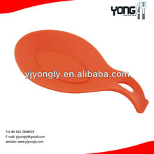 Non-sliding silicone spoon rest
