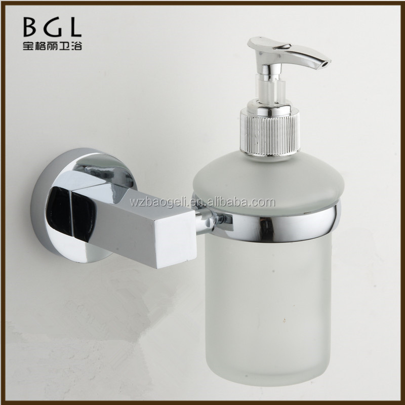 Luxury bathroom design Liquid bathroom accessories Zinc alloy Chrome finishing automatic Soap dispenser