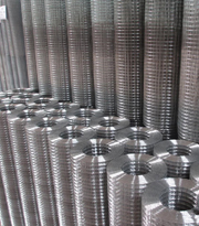 anti-corrosive beautiful form reliable pvc coated/galvanized/stainless steel welded wire mesh manufacturer