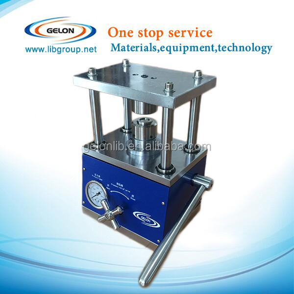 Coin cell battery crimping machine with assemble and disassemble mold