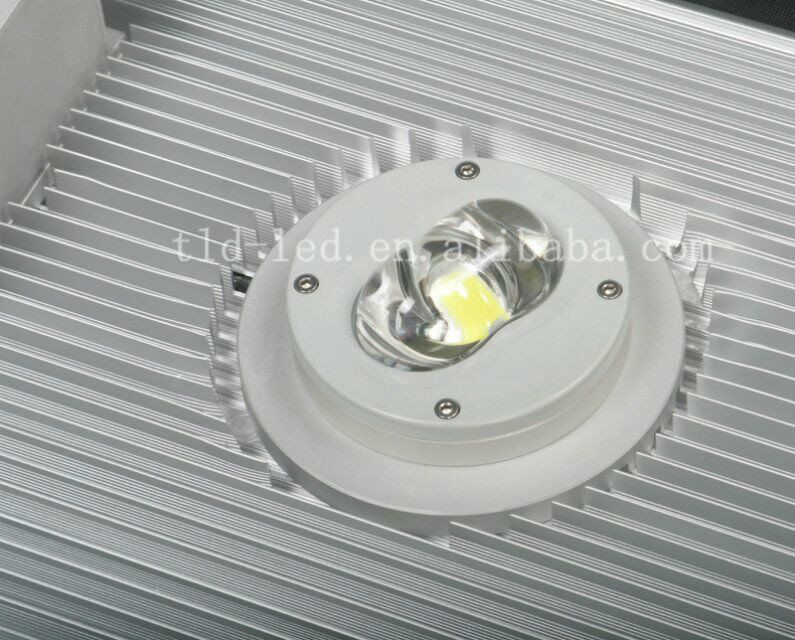 Hot Global integrated realistic type solar led street light 20w