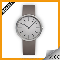 Quartz movement fashion type silicone bracelet watch for women