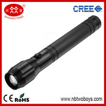 FOCUS ADJUSTABLE LED FLASHLIGHT OF HIGH QUALITY WITH LONG USAGE OF TIME
