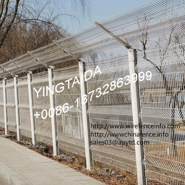 hot sale! pvc coated or galvanized cheap iron wire mesh garden fence for security