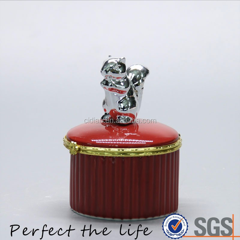 Red Ceramic Jewelry metal ring box with silver plating squirrel jewelry decorative ceramic box