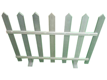 Outdoor Plastic Wood Cafe Barrier Garden Fencing White Colour Hotel Gate Trellis LG-C004