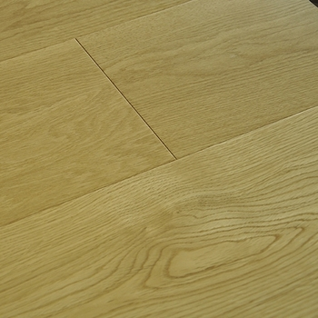 Resilient smoked low flame oak three-layer solid wood flooring