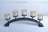 11A037 Arch bridge shape black metal and 5 amber glass tealight holder