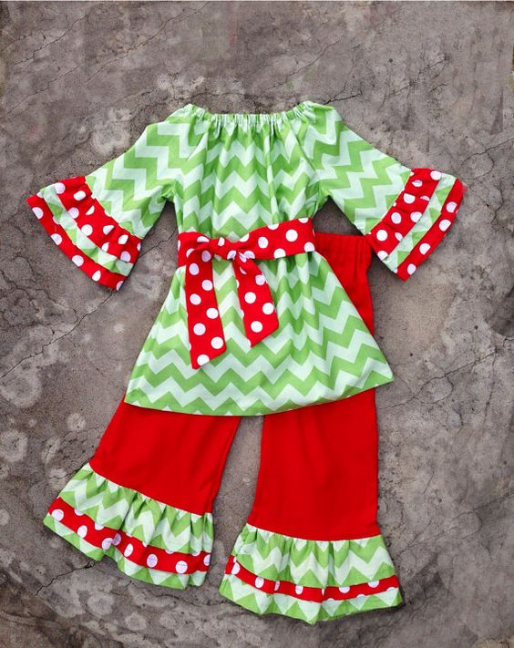 Hight quality christmas kids 100%cotton outfitis have polk dot ruffle pant clothing set