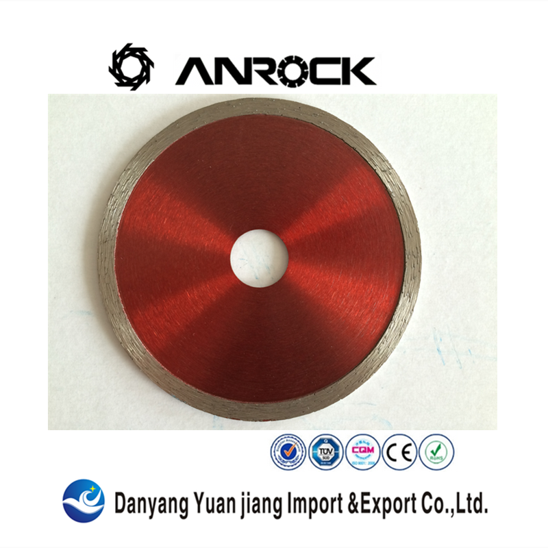Sintered continuous rim wet cutting circular diamond saw blade for ceramic tiles, quarry tiles, marble and granite
