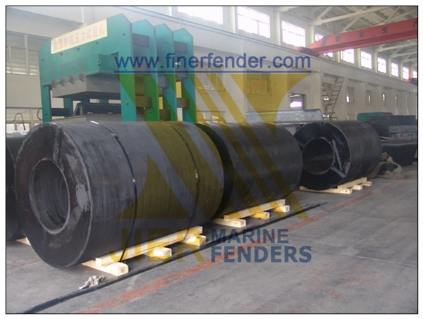 Cylinder Rubber Fenders Cylindrical Rubber Fenders