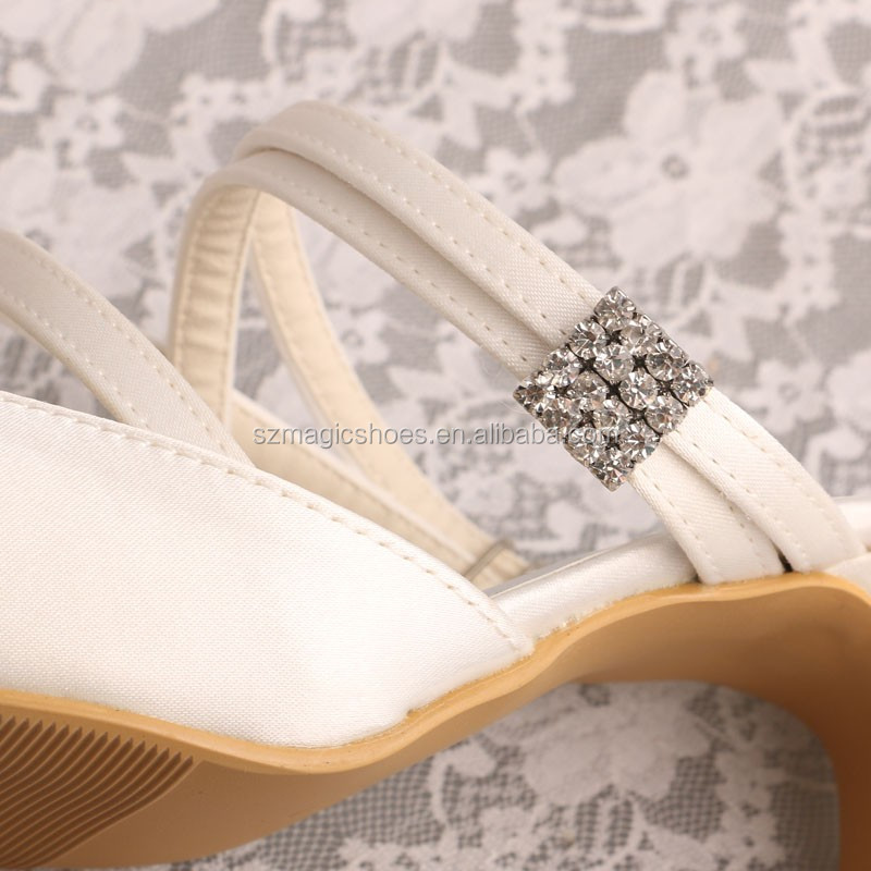 Pointed Toe Slipper for Wedding