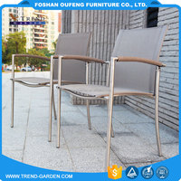 Alibaba factory in China classic design resting comfort metal frame ratan furniture chair