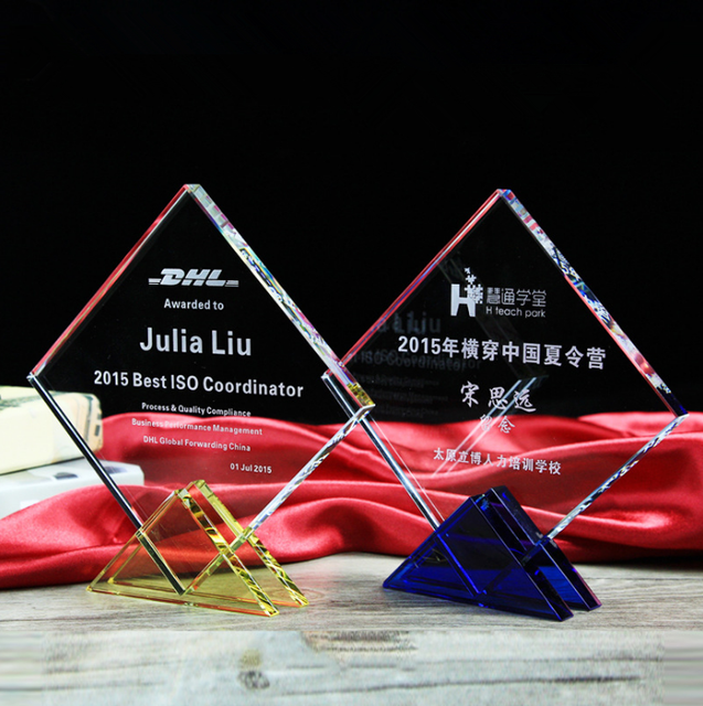 Pujiang wholesale custom rhombus plaque crystal trophy awards with blue yellow base