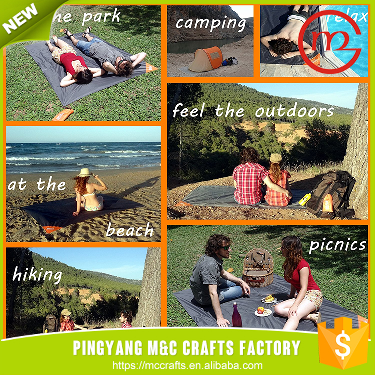 Waterproof promotional easy carry rolling up contemporary up straw beach mat