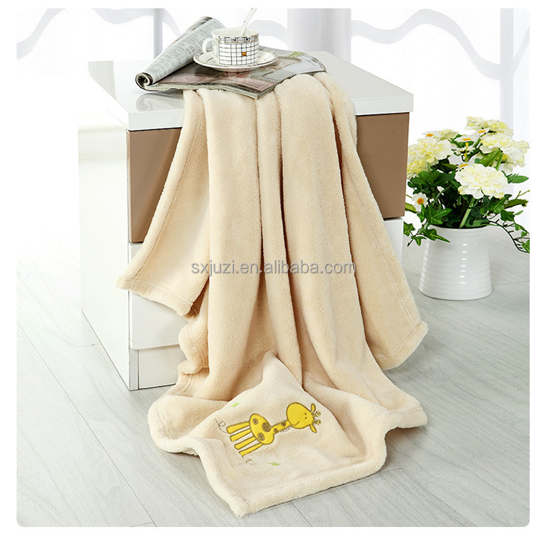Hot Sales Animal Embroidery Plain Polyester Fleece Baby Blanket