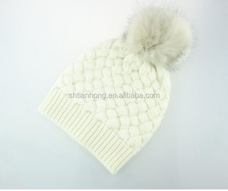 Cheap eco-friendly hot sell winter knitted hat for women