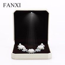 FANXI China Factory Portable Led Light Bigger Necklace Jewelry Box Black Velvet Jewelry Display Cases For Sale