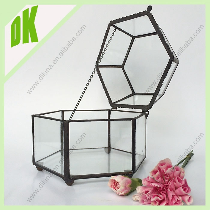 New York & Victorian Style Geometric Stained Glass terrarium planter flower vase // Leading DIY style stained glass terrarium