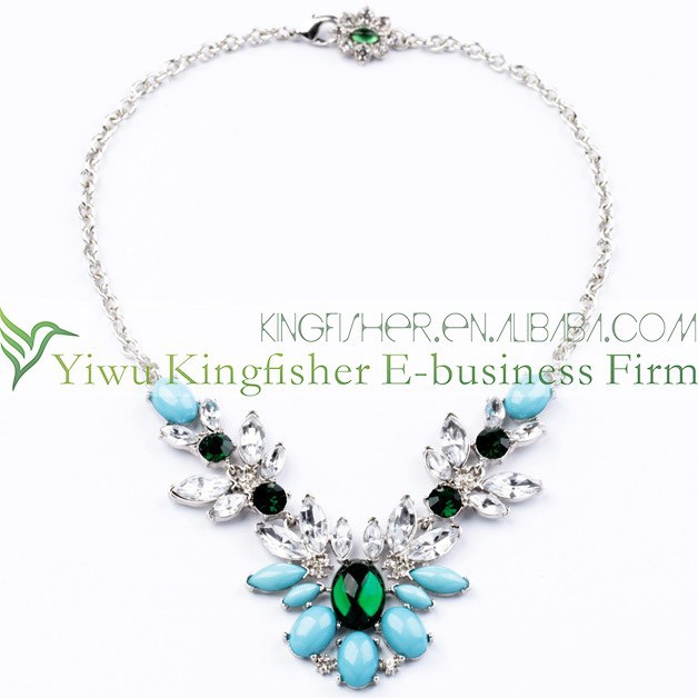 Fancy crystal gemstone cluster 2015 lady fashion statement necklace wholesale