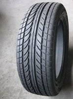 Passenger car tire 175/70R13