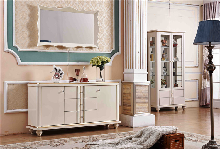Elegant And Generous 3 Drawer Rack Modern Mirrored Buffet