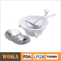 Plastic vegetable grater spiral potato cutter with stainless steel blades