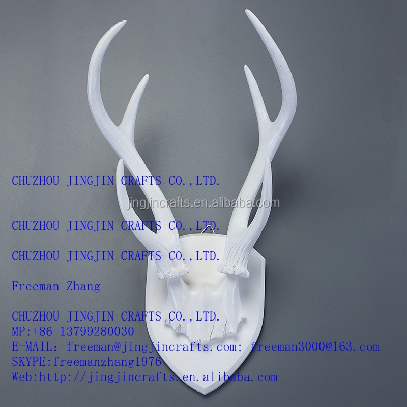 factory price customs made in China white resin deer