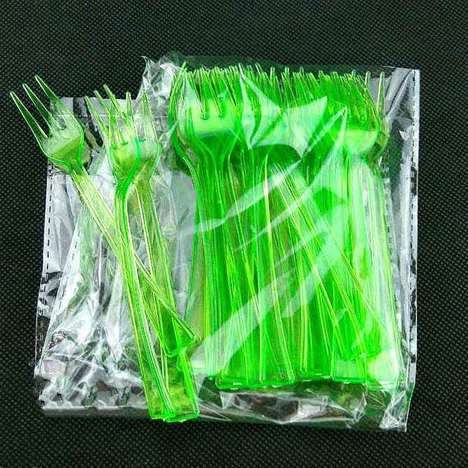 Wholesale clear green plastic fork with a bag