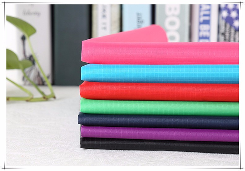 hot sale Inflatable sleeping bag/210T Grid polyester taffeta fabric