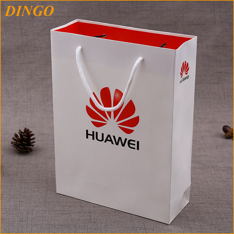luxury boutique paper gift bags/glossy black hardboard paper shopping bag with handle (YC3087)