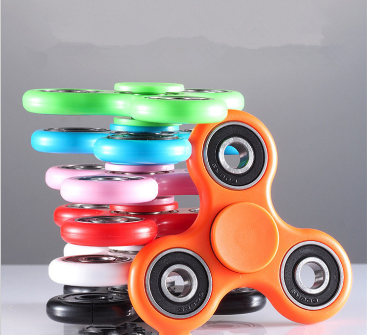 Creative Funny Tri-Spinner fidget <strong>toys</strong> at target Plastic EDC Hand Spinner For Children <strong>toys</strong> Time Long Anti Stress <strong>Toys</strong>