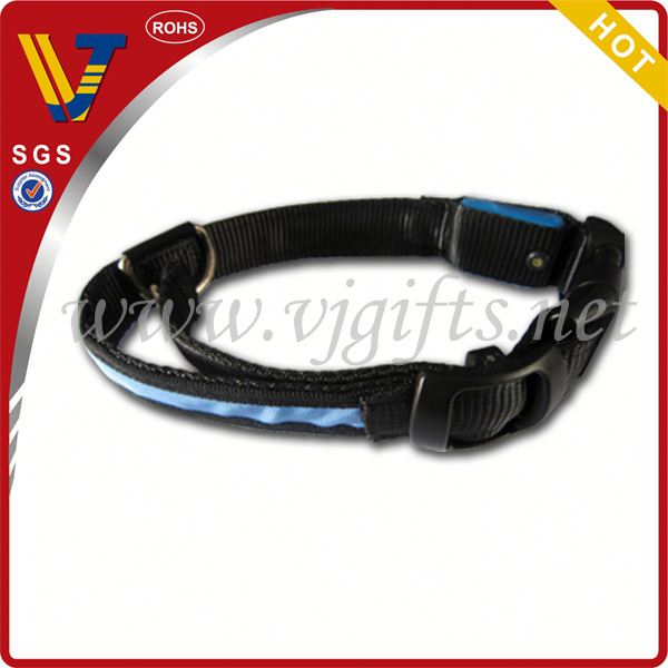 2014 Hot sales retractable dog leash with led light