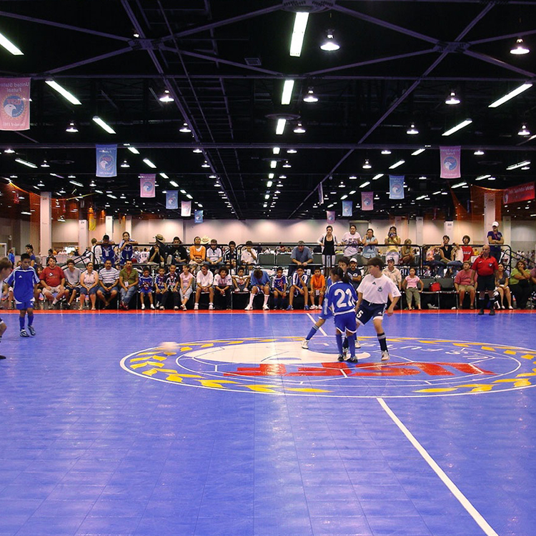 CE Standard pp interlocking portable indoor soccer field,plastic coat sport court surface,interlocking flooring for futsal
