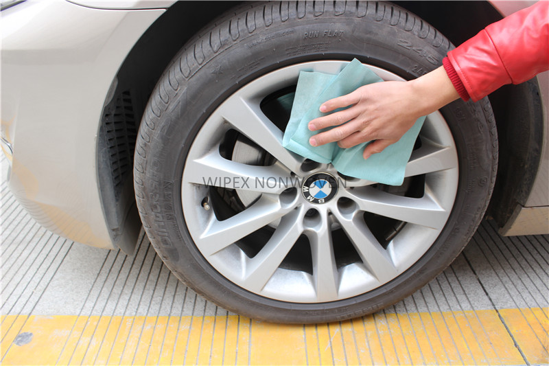High quality nonwoven disposable polishing wipes