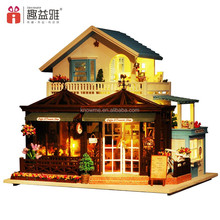 2017 New beautiful wooden toy DIY Doll House Miniature Building for children