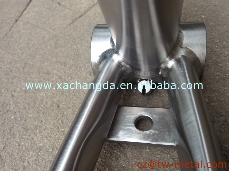 Customized titanium road bicycle frame Ti road bike frame with special tube