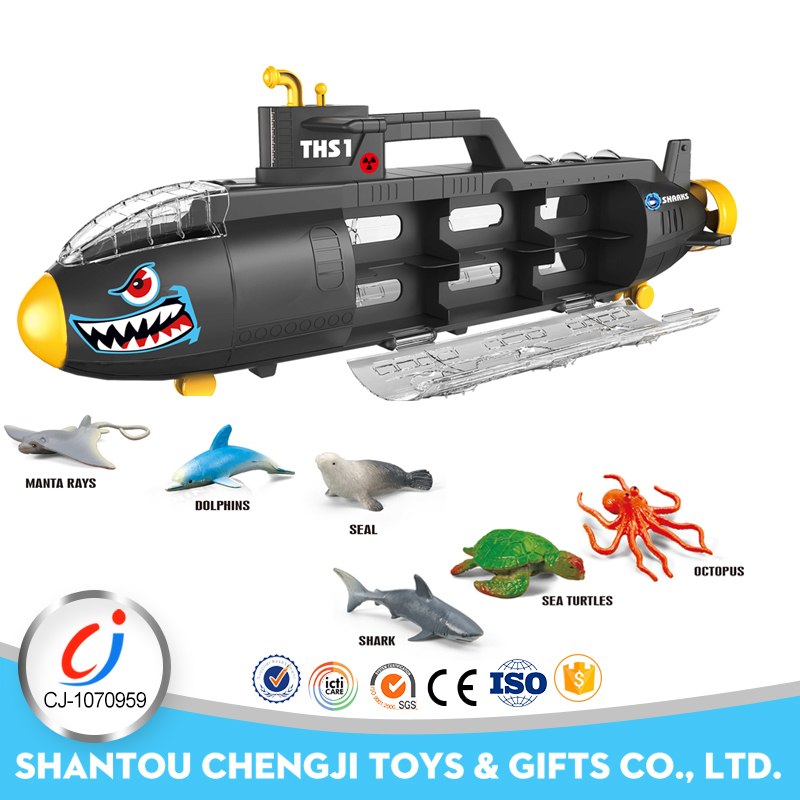 Cheap funny model electric plastic submarine toys with marine animal