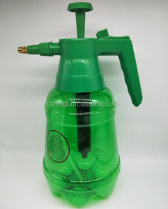 Hot Selling 2L plastic spray bottle manual promotional sprayer agricultural sprayer