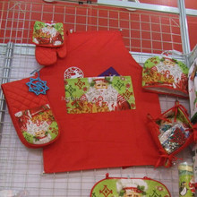 RED CHRISTMAS DECORATION COTTON KITCHEN SET,POT HOLDER,OVEN MITTEN,GLOVE,APRON