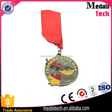 Wholesale cheap promotion soft enamel thanksgiving day maple leaf shaped sports metal medal