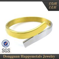 Various Design Gold Rutilated Quartz Bangle With Sgs Certification