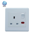 Plastic material 13A 1 Gang Switched Socket with Neon